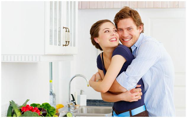 5 Waktu Terbaik Memeluk Isteri, Tak Perlu Tunggu Si Dia Merajuk Baru Nak Rangkul!