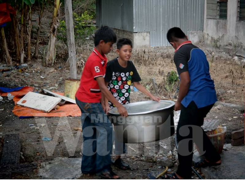 Mak-mak Biasakan Anak Lelaki Basuh Beras, Lipat Baju, Sapu Sampah, Biar Rasa Penat Itu Ajar Mereka Hargai Kerja Orang Perempuan