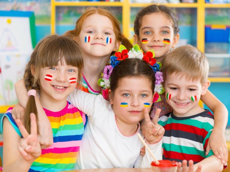 Ibu bapa menghantar mereka ke tadika seawal usia 4 ke 5 tahun kerana mahu  anak-anak berkembang IQ (kecerdasan intelektual) e323f866ca