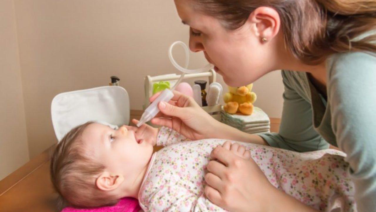 Cara Betul Bersihkan Hidung Bayi Tersumbat Video Lengkap Doktor Pakar Ini Bantu Mak Ayah Mingguan Wanita