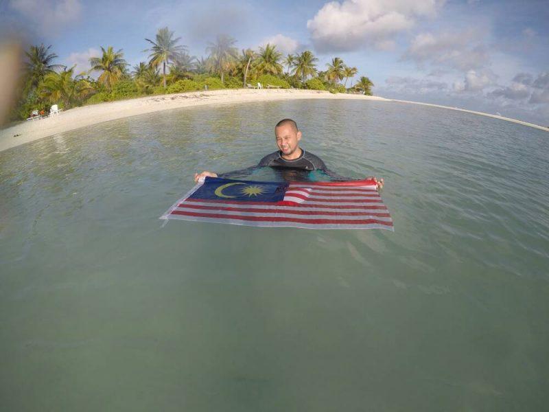 Tak Rugi Jadi 'Kaki Contest', Untung-untung Dapat Pergi Maldives