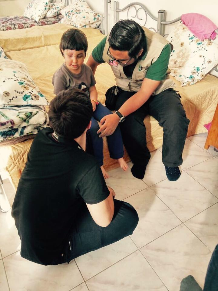 Video Fara Fauzana Bersama Syaimaa' Si Anak Syria Ini Yang Buat Kita Sebak
